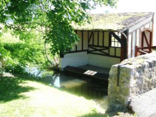 Lavoir de Saint-Sauveur-les-Bray